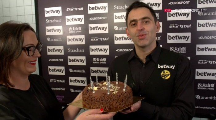 UKChamps2018L16ROS-BirthdayCake